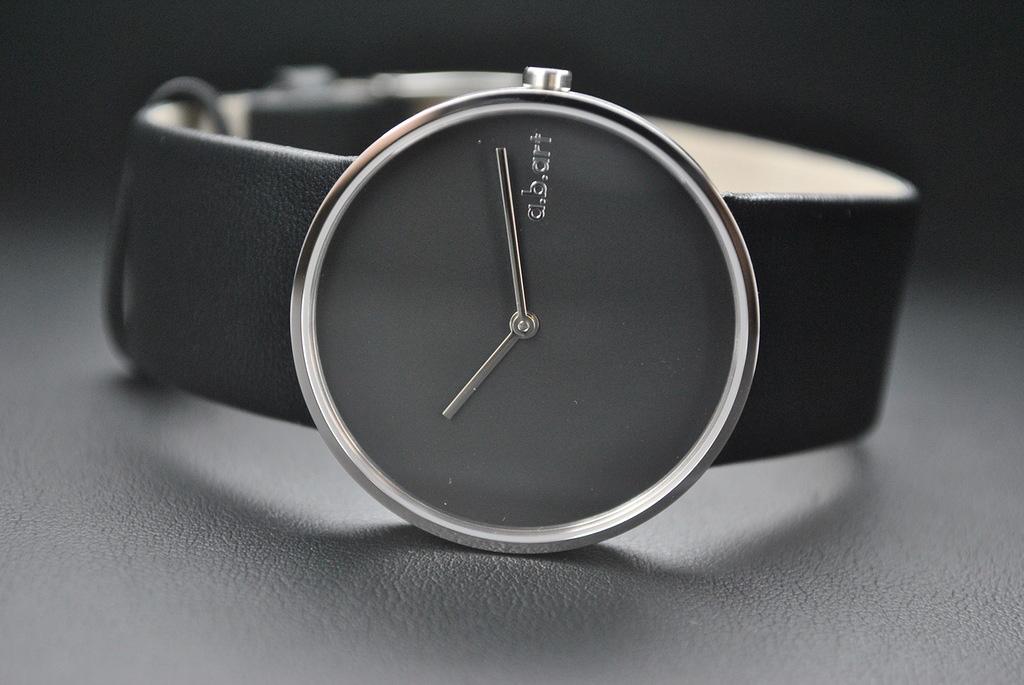 d9c02281bf5a Лучшая цена Швейцарские наручные женские часы Cover. Обсуждение на ...