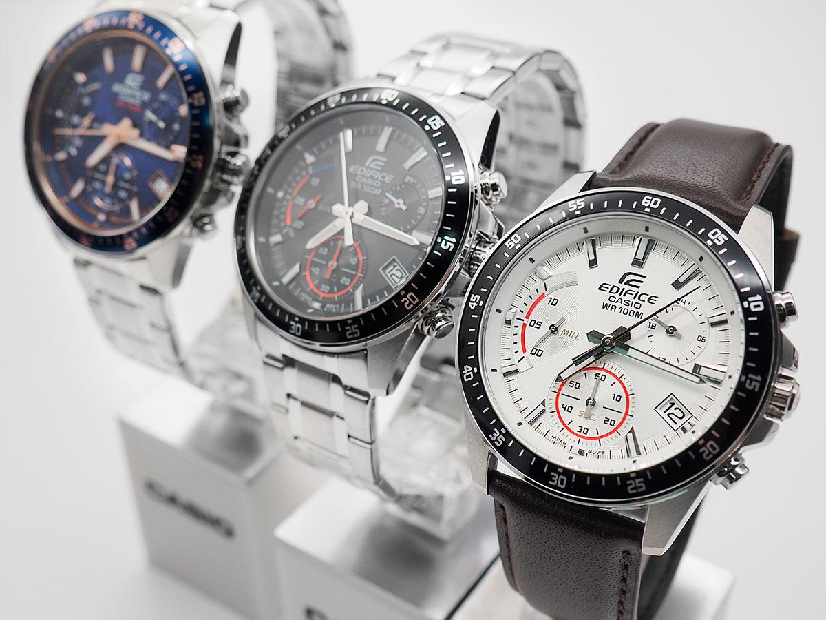87e041d37494 Кварцевые часы Edifice EFV-540 выполнены в классическом стиле, но дополнены  спортивными мотивами ‒ намек на динамику автомобильных соревнований.