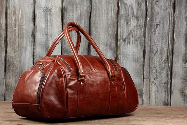 Дорожные кожаные сумки ferrari рюкзаки в эйвоне фото
