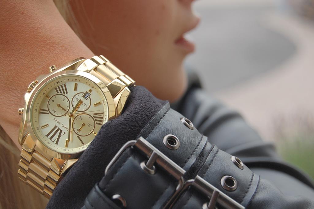 если часы майкл корс фото на руке Demon Secret Eau