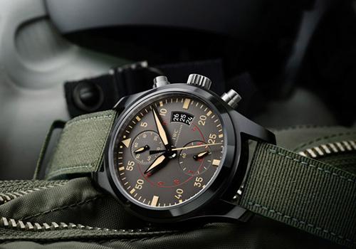 9cb306d2b868 Компания IWC изготавливает из керамики корпуса часов серии Top Gun. Данные  часы выглядят дерзко и стильно, но привлекают не только этим – они, прежде  всего, ...