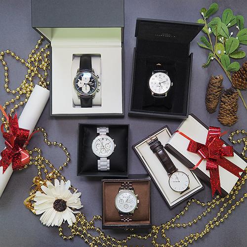 Можно ли дарить часы девушке на день рождения и что гласят приметы?