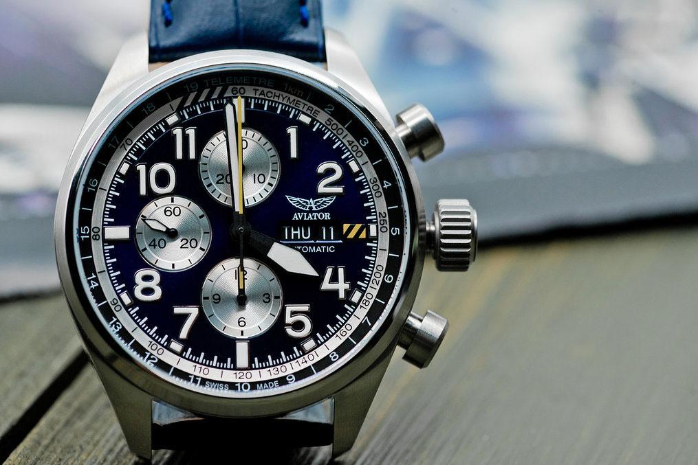 Швейцарские механические наручные часы AVIATOR Airacobra P45 Chrono Auto  V.4.26.0.178.4 с хронографом 197d0dd0505