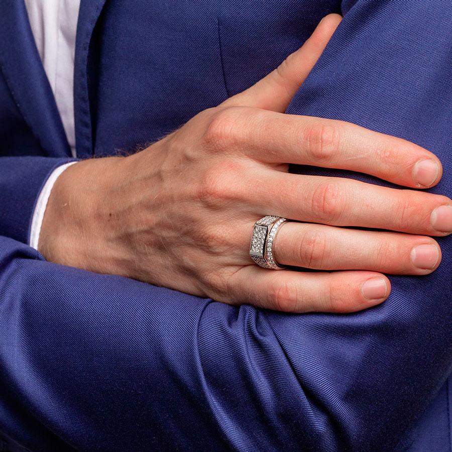 кольца на руках мужчин фото того