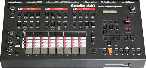 Сэмплер AKAI Studio 440