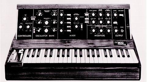 Синтезатор Moog Minimoog Model D, 1972да.