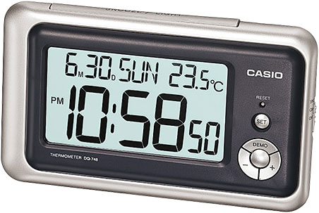 Настольные часы Casio DQ-748-8E настольные часы casio dq 543 3d