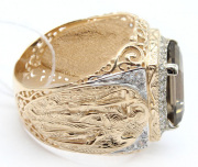 Большой золотой перстень мужской
