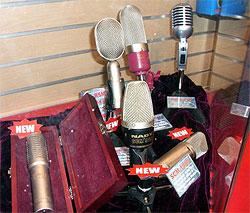 Микрофоны NADY представленные на выставке NAMM в 2006 году