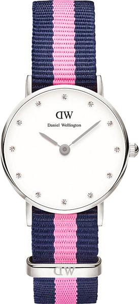 купить Женские часы Daniel Wellington 0926DW по цене 7800 рублей