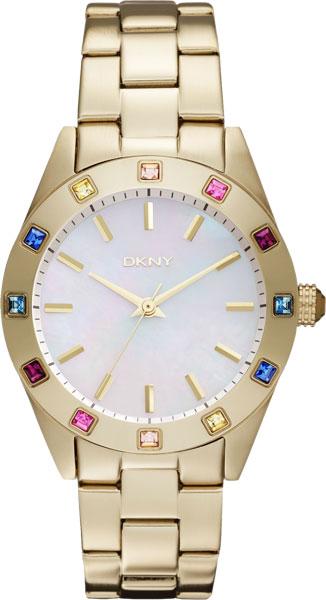 Женские наручные часы в стальном позолоченном корпусе на браслете. Корпус украшен двенадцатью разноцветными
